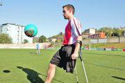 Día de la discapacidad: Visita del futbolista Adrián Castro